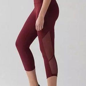 Red Lululemon cropped leggings